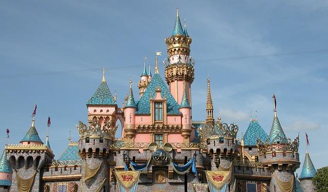 castle-of-the-sleeping-beauty-1173955_640